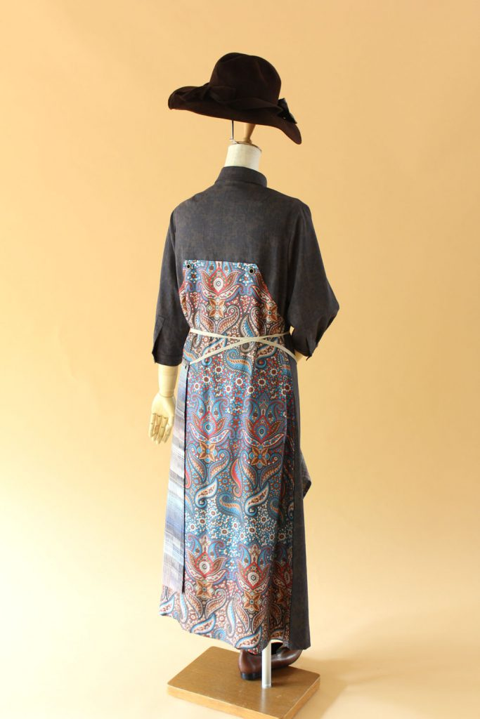 手織り結城紬エプロン・ドレス - バック